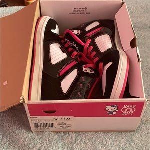 Hello Kitty high-too skate shoes